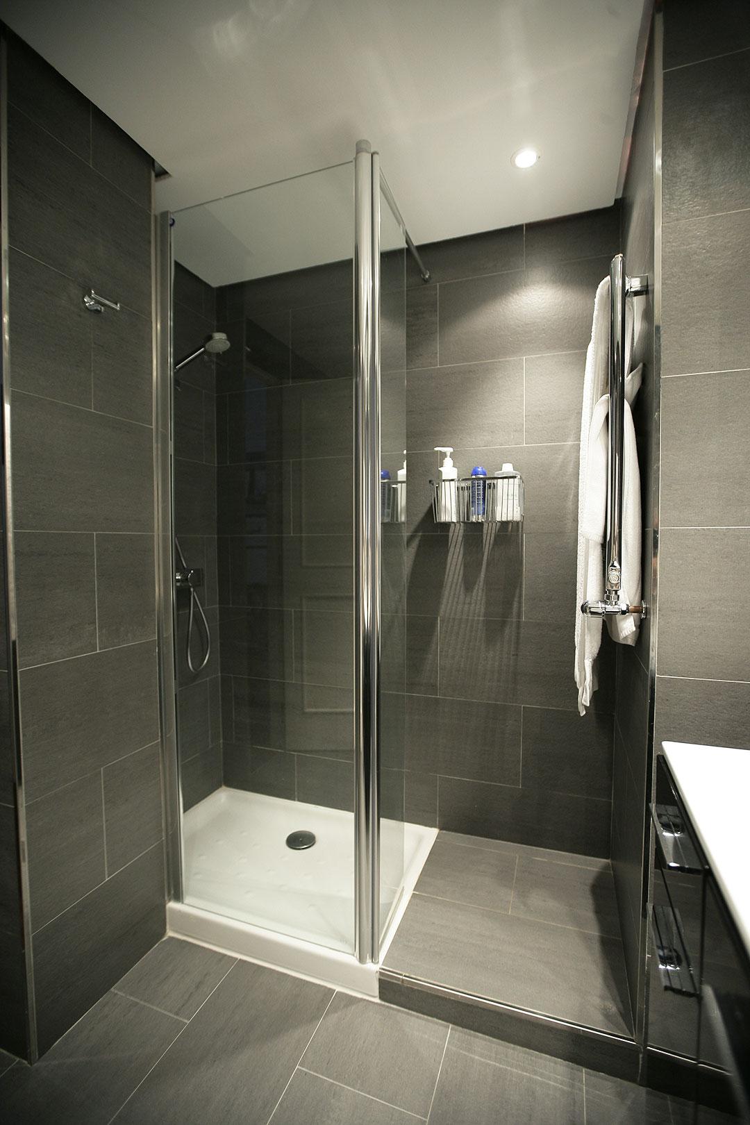 baño negro-2